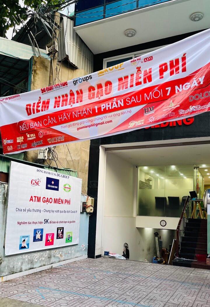 Dgroup Holdings: Triển khai ATM gạo miễn phí – Sáng tạo của lòng từ tâm hỗ trợ người dân vượt qua đại dịch Covid – 19